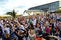 Copacabana-Feeling beim Public Viewing in der WM Beach Arena