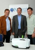 Wasserverschmutzung durch Mikroplastikpartikel:    Röchling-Stiftung finanziert One Earth - One Ocean Spektrometer zur Wasseranalyse von Mikroplastik