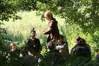 Die Natur- und Wildnisschule Teutoburger Wald startet am 23. Oktober 2014 in Kooperation mit der VHS im Kreis Herford die Fortbildung zum Wildnispädagogen.