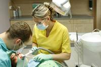 Zahnersatz zu teuer -  Jedem Achten fehlen Zähne