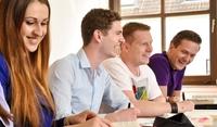 Karriere mit Wirtschaft und Fremdsprachen, Auslandssemestern und Praktika