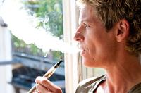 """E-Zigarette: Viel Dampf um nichts?"" - Expertengespräch der DKV"