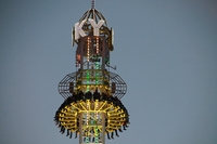 Straubinger Gäubodenvolksfest 2014: Spektakuläre Fahrgeschäfte auf dem Sommerereignis in Ostbayern