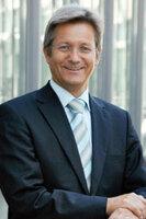 """carIT-Kongress 2014: Elmar Frickenstein (BMW) spricht über das """"Internet of Cars"""""""