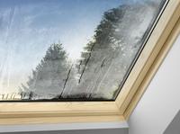 Schnelle Hilfe bei beschlagenen Dachfenstern