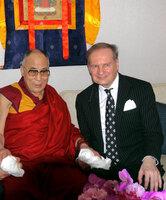 """Der Dalai Lama erhält den """"German Speakers Global Award"""""""