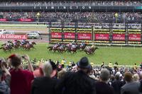 Der Melbourne Cup - Ein Pferderennen stoppt Australien