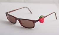 Bryllos, der Brillenknopf, der neue Brillenschmuck für jede Brille