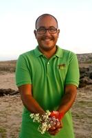Aruba isst Blumen: Kochen mit Moringa, Frangipani und Koko Robona -  Wein aus Meertraube, Kaschu und Karambole