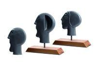 LEDA Werk: Wegweisend - Die Guss-Skulpturen des Objektkünstlers Helmut Reipen