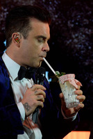 Robbie Williams, Mario Hofferer und James Bond