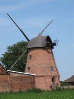 Alte Mühle mit neuer Haube
