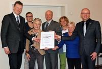 Kreis Reutlingen. Eningen: Foerderpreis Uebergabe im Rathaus