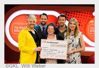Volltreffer ins Glück: Schützenkönigin Margit Schroeder aus Oberbayern gewinnt 1 Million Euro bei der SKL-Millionen-Show