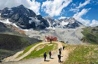 Italienisch, sportlich, komfortabel: Trekking- und Wanderurlaub in Südtirol