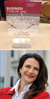 Dr. Manuela Jacob-Niedballa erhält den Newcomer Award 2015