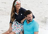 Sommer, Sonne, sportlich: Trendige Mode, die mehr kann