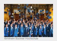 Wilhelm Büchner Hochschule: Absolventen feiern ihren Hochschulabschluss