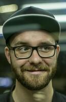 ONKEL FERDI - die Brillenmarke der Stars
