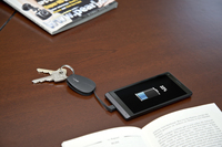 revolt Schlüsselanhänger-Powerbank mit 420 mAh und micro-USB-Kabel