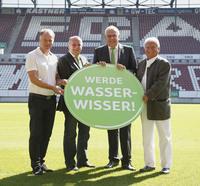Wasser im Fokus der Fußball-Fans:  Grünbeck ist neuer Exklusivpartner des FC Augsburg