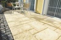Balkon und Terrasse: Einladend gestalten fürs ganze Jahr