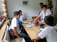 Neues Zuhause für minderjährige Flüchtlinge / SOS-Kinderdörfer nehmen jugendliche Flüchtlinge auf