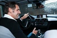 Dragon Drive von Nuance ermöglicht natürliche Sprachbedienung von vernetzten Diensten und Apps bei Daimler