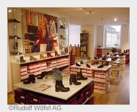 WÖHRL Bamberg schafft Platz für Schuhe