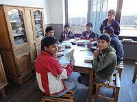 Schul- und Schreinerausbildung holt Jugendliche von der Straße