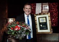 Edgar K. Geffroy holt Auszeichnung conferencier europeen