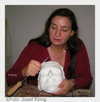 Privates Denkmal: Totenmaske wahrt das Andenken