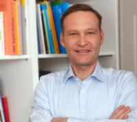 Dr. Dirk Bayas-Linke: VW-Skandal zeigt Notwendigkeit für neue Entscheidungsroutinen, jenseits von Hierarchien