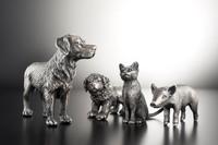 Degussa Goldhandel produziert hochwertige Tierfiguren aus Silber in Kooperation mit der Traditionsmarke Schleich