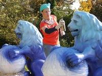 Künstlerin aus Much gestaltet Bergische Löwen