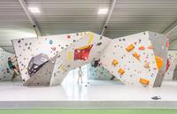 Tennisanlage und Kletterhalle rüsten um auf LED-Leuchten per Mietmodell