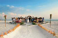 Hochzeit und Flitterwochen am Strand