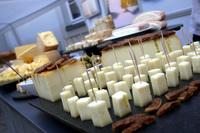 Weihnachtsmann verbietet veganen Käse