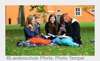 Stiftung vergibt Internats-Stipendien an aufgeweckte Schüler
