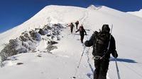 Wandervergnügen im Winter - sicher am Berg und im Tal