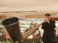 Alphörner von Alpcologne: Juwelier Rüschenbeck lud zum weihnachtlichen Alpenglühen