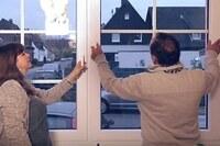 """Salamander Fenster für Ingo und Marion: Firma Lindemann Oelkers beliefert Serienpaar von Heimwerker-Doku """"Ab in die Ruine!"""""""