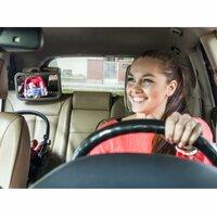 Rücksitzspiegel für Babys bringt mehr Sicherheit im Straßenverkehr