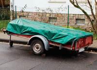 Anhänger auf der Straße parken: Nach zwei Wochen droht ein Bußgeld