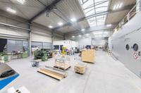 Deutsche Lichtmiete / RJ Lasertechnik GmbH: Sparsame LED-Hallendeckenstrahler ohne Investitionen