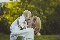 Mom-Domains: No .com, then .mom!