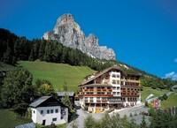 Das Fünf-Sterne-Hotel Sassongher ist Mitglied der Preferred Hotels & Resorts Gruppe