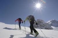 GORE-TEX® Studie zeigt: Kalte Hände nerven beim Wintersport am meisten