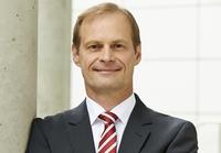 automotiveIT-Kongress 2016: Jürgen Sturm über Fahrzeugkonzepte der Zukunft