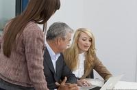 Stress im Beruf durch schlechtes Verstehen?  FGH Experten raten zu vorsorglichen Hörtests einmal im Jahr